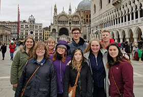 La Roche University Study Abroad students on a trip in Europe